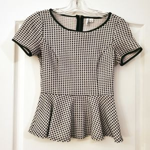 Elle XS Black White checkered Peplum Top
